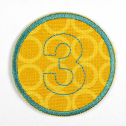 round patch with the number 3 for ironing on, ideal as an elbow patch or knee patch