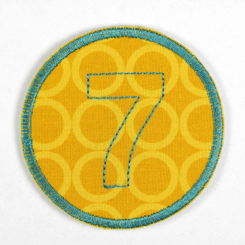 round patch with the number 7 to iron on, ideal as an elbow patch or knee patch