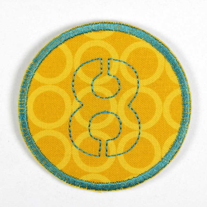 round patch with the number 8 to iron on, ideal as an elbow patch or knee patch
