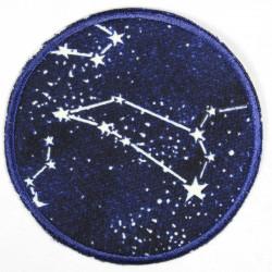 Flickli rund Sternbilder nachleuchtend