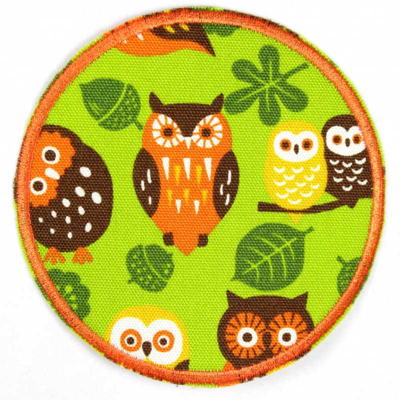 Patch around owls on green, tear-proof and ideal as a knee patch