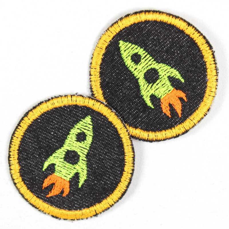 Flickli - the patch! round with rocket on lightblue denim