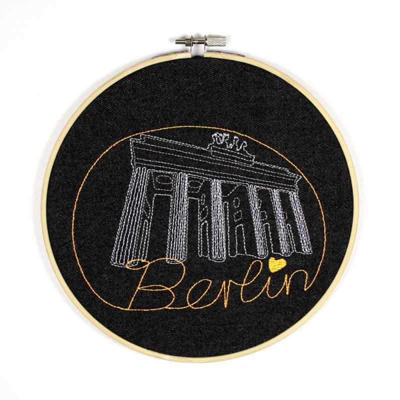 Hoop image Frankfurter Tor embroidered picture