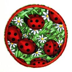 Flicken zum aufbügeln rund Marienkäfer im Gras feste Bügelflicken als Knieflicken geeignete Aufbügler
