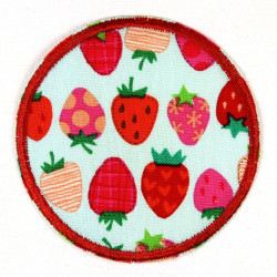 Flickli - the patch! round strawberry patch to iron on