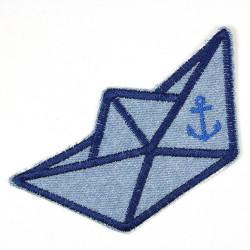 Papierboot Applikation zum aufbügeln Aufnäher Boot Jeans hellblau für Kinder und Erwachsene Accessoires und Bügelbild gestickt