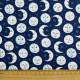 Stoff Himmel mit Mond blau Robert Kaufman fabrics Daydreamer Vollmond mit Gesicht Mondsichel Sterne Baumwollstoff Quilten Nähen