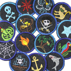 15 small round jeans patches to iron on. Pirate gang motifs for children as iron-on patches